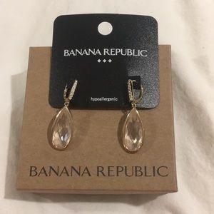 Banana Republic crystal tear drop earrings